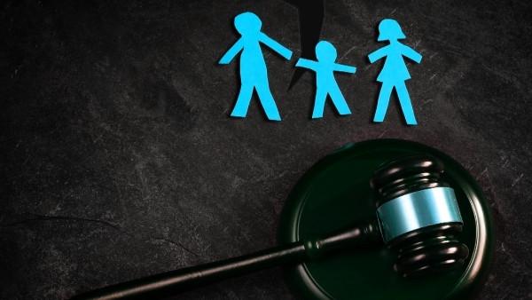 En dommerhammer som nettopp har blitt brukt i en rettsak som omhandlet foreldres erstatningsansvar for barns skadevoldende handlinger