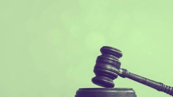 En dommerhammer som nettopp har blitt brukt i en rettsak som omhandlet yrkesskadeforsikringsloven