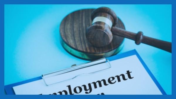 En dommerhammer som nettopp har blitt brukt i en rettsak som omhandlet skadeserstatningsloven 2-1