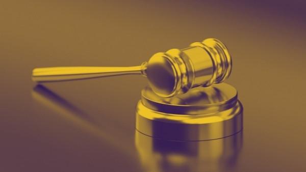 En dommerhammer som nettopp har blitt brukt i en rettsak som omhandlet skadeserstatningsloven 3-6