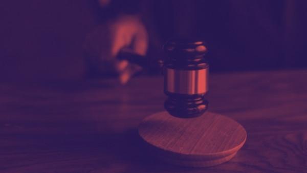 En dommerhammer som nettopp har blitt brukt i en rettsak som omhandlet yrkesskadeforsikringsloven 11