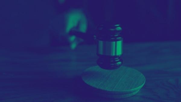 En dommerhammer som nettopp har blitt brukt i en rettsak som omhandlet yrkesskadeforsikringsloven 12